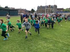 Granton junior pupils running in mini marathon