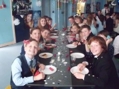 Pupils at dining tables
